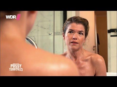 carolin-kebekus-mit-anke-engelke-in-der-badewanne---pussyterror-tv