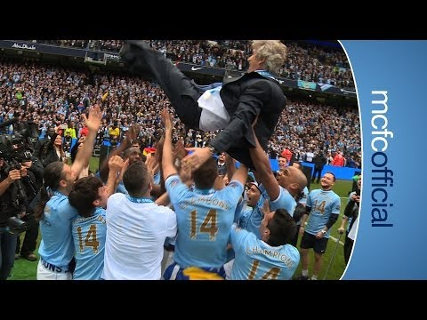PELLEGRINI 'BUMPS' CELEBRATION | City v West Ham Champions 2014