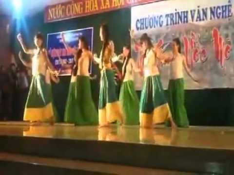 Múa Thu muộn - 12D1- THPT Lê Trung Kiên/ 2015