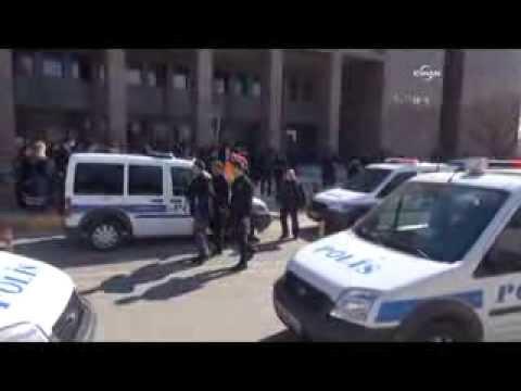 Adliye önünde kavga: 2 yaralı, 15 gözaltı