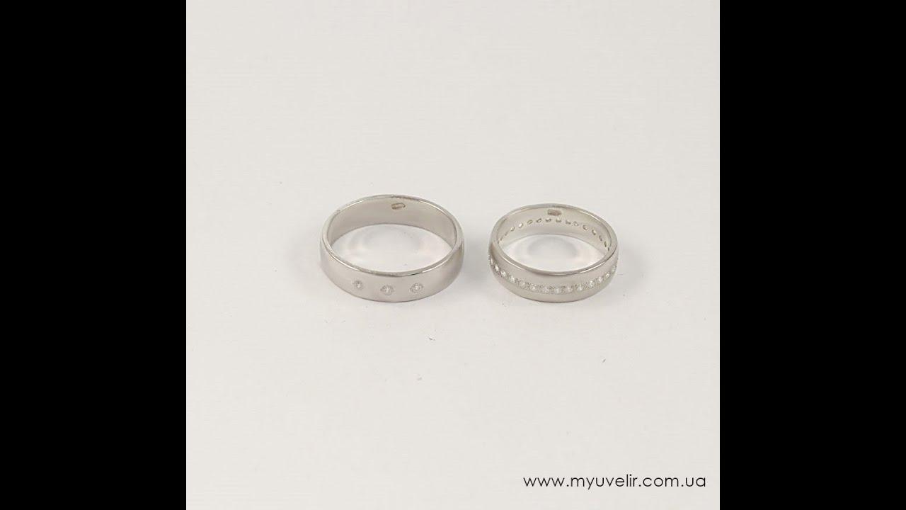 Серебряные кольца – это отличный способ продемонстрировать свой хороший вкус. Кольцо из серебра гармонично дополнит образ любой современной леди. Поэтому, если вы решили купить серебряное кольцо, будьте уверены, что найдете подходящую модель в каталоге ювелирной сети 585gold.