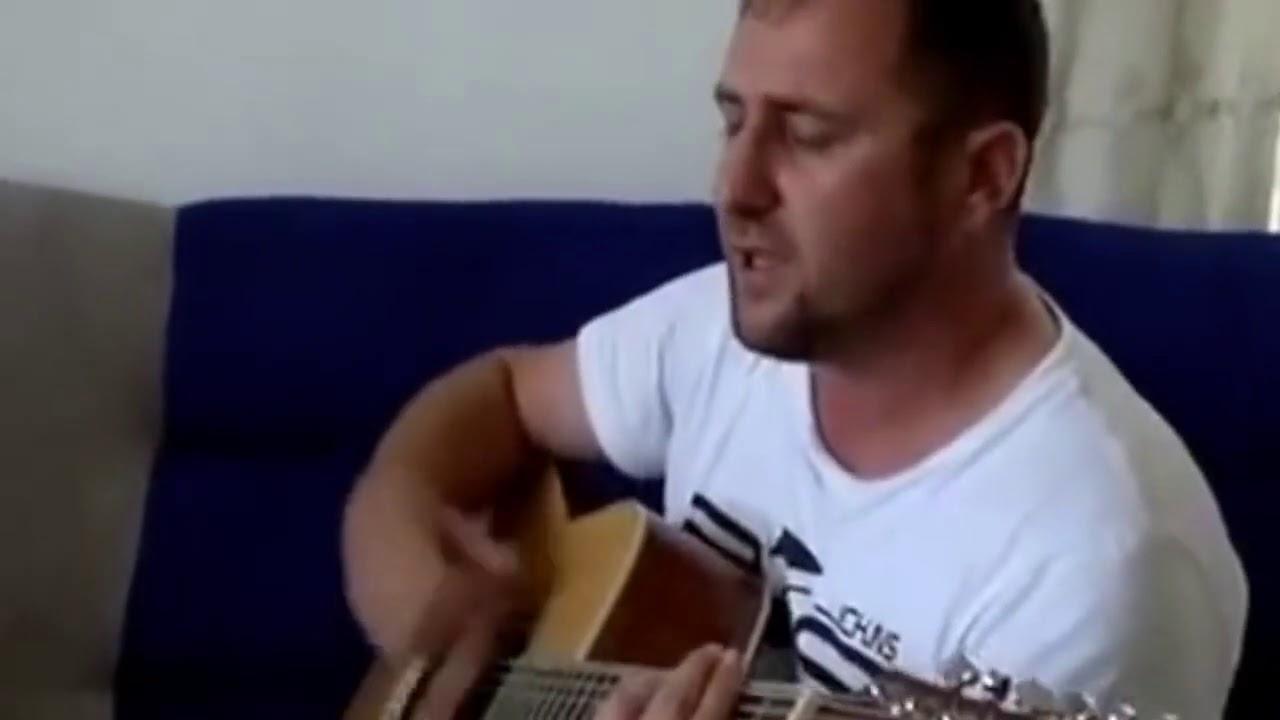 Как же красиво поёт этот Чеченец под гитару