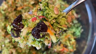 Broccoli Apple Salad Re¢ipe - Raw Broccoli Slaw Apple Carrots Raisins Sunflower Seeds Oil Vinegar