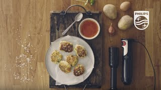 ProMix Hand blender: Malaysian potato fritters made with the Potato Masher | Philips | HR1618