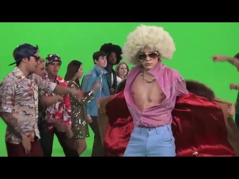 """Austin Mahone feat. Pitbull - """"Mmm Yeah"""" Lyric Video Behind the Behind the Scenes #1"""