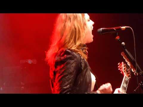 Halestorm - Straight through the heart - LIVE PARIS 2014