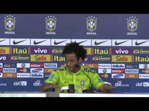 Marcelo demonstra personalidade em entrevista coletiva