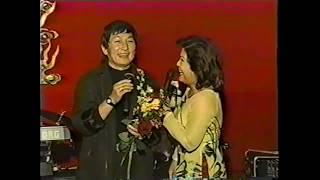 Nghệ sĩ Minh Phụng và nữ nghệ sĩ Phượng Liên, San Diego 2002