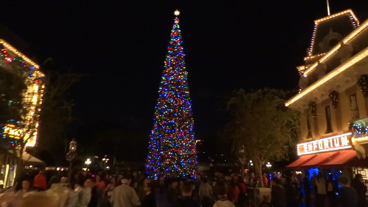 main street usa christmas decorations at disneyland 2015