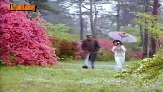Milti Hai Zindagi Mein Mohabbat Kabhi Kabhi - Lata - Aankhen (1968) - HD