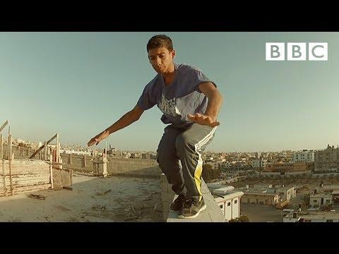 Inside Gaza's epic parkour squad - BBC