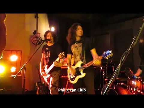 Phil X in Kitchener Dec. 1, 2017 song #6 My Sharona