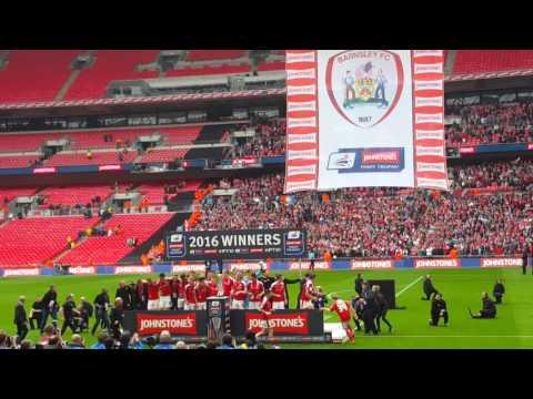 Barnsley lift johnstone's paint trophy