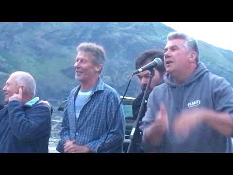 Port Isaac's Fisherman's Friends singing Drunken Sailor 2018