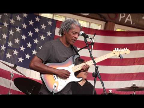 Clarence Spady Band 9-4-16 Arlo's Tavern Part 1