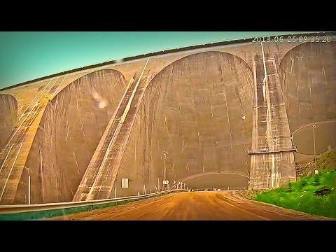 Baie-Comeau à Fermont, 566 km en 2 min. ! La route 389 N sur du gros PsyTrance !
