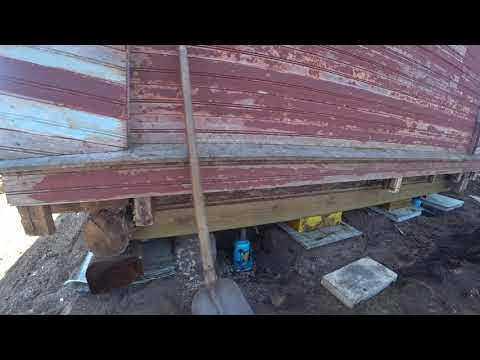 Новый пол и лаги. Подъем дачного домика на тротуарную плитку.