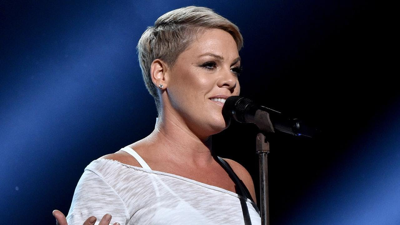 See The Singer S Latest Hair: Pink Brings Down The House With Powerful Performance At