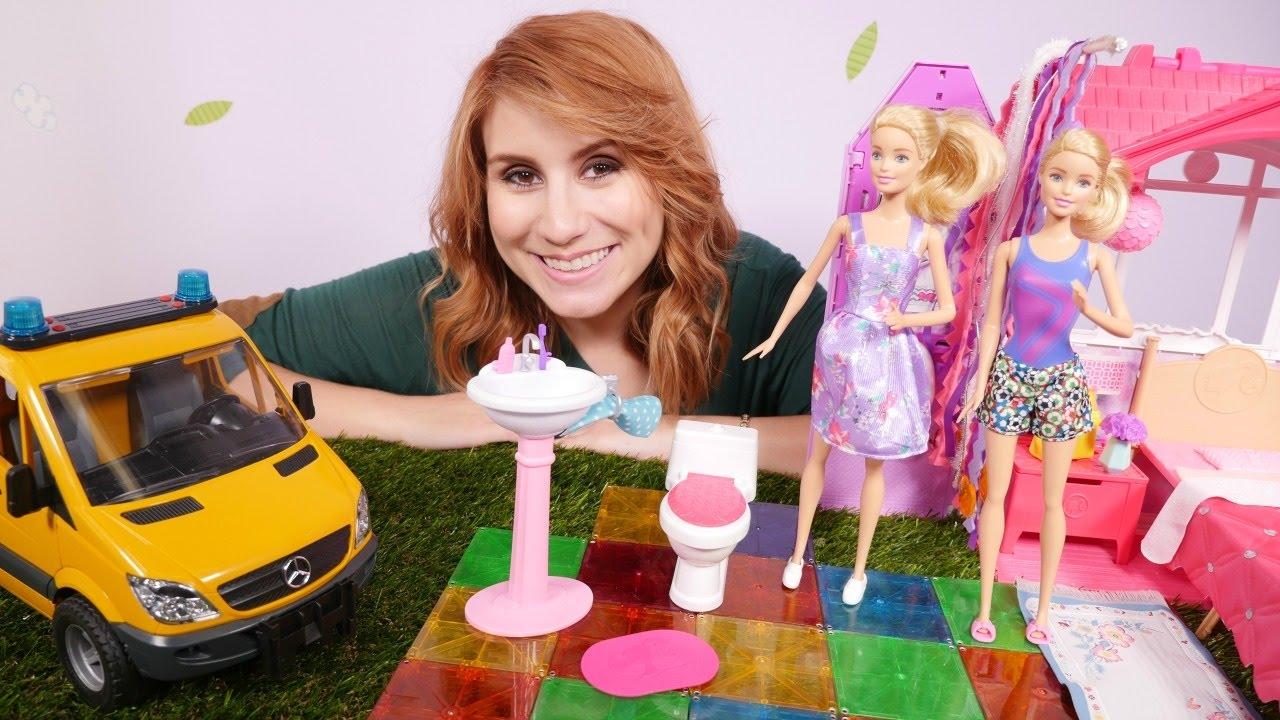 spielspa mit barbie neues badzimmer lehrreiches video f r m dchen youtube. Black Bedroom Furniture Sets. Home Design Ideas