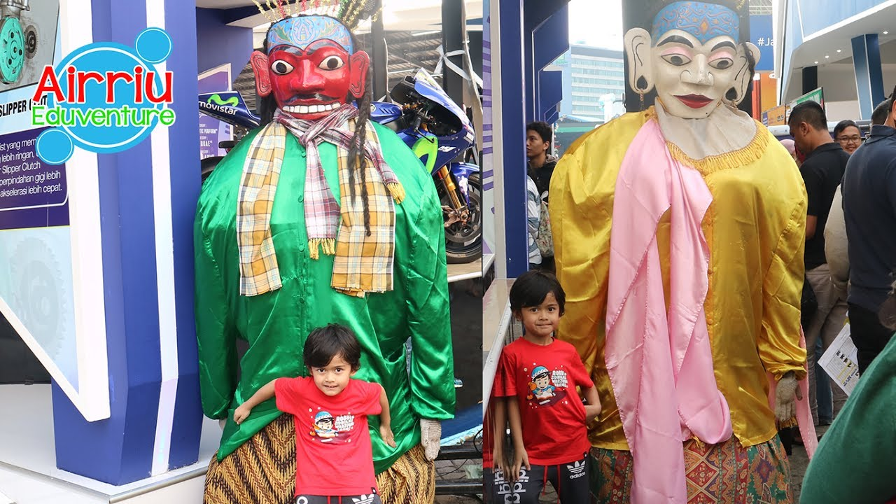 Ondel Ondel Serem Di Booth Yamaha Jakarta Fair Youtube