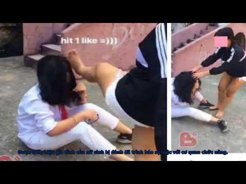 Nữ sinh Hà Nội đánh bạn học dã man