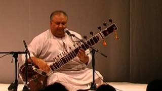 Shujaat Khan sings Amir Khusrau