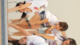 神戸みなとまつりのメインステージでAKB48チーム8の山本瑠香ちゃんと下...