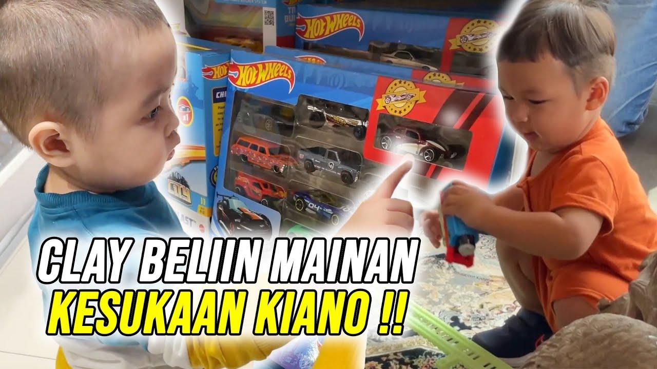 Download CLAY MAIN KE RUMAH KIANO !! BELIIN MOBIL HOT WHEELS KESUKAAN KIANO (PART 1)
