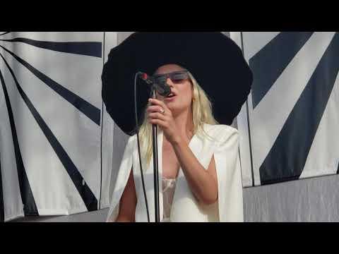 Смотреть клип Wild Belle - Rocksteady