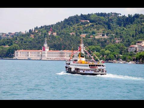 Bosphorus Boat Tour in Istanbul / Turkey