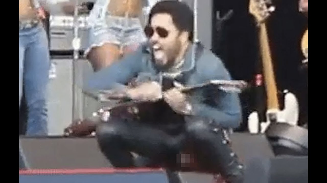 Lenny Kravitz's Junk Fell Out On Stage