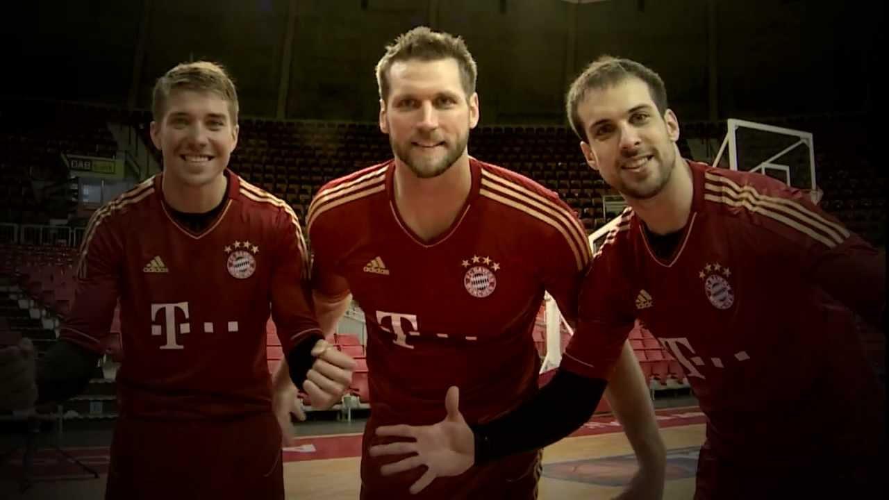 Pack ma&39;s FC Bayern   gemeinsam nach Berlin   YouTube