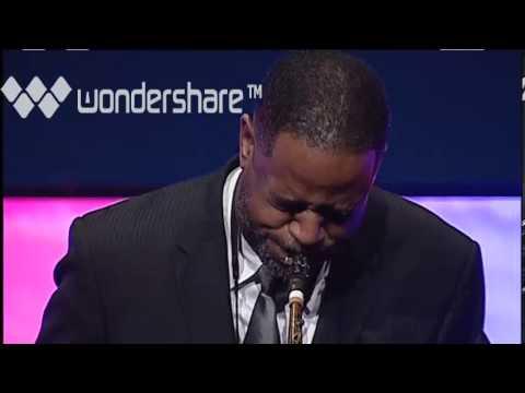 Lance Ellis plays The National Anthem