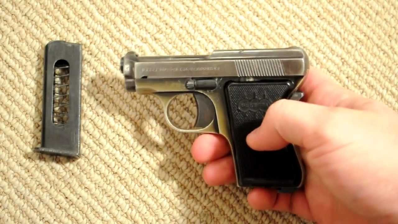 Basic fieldstrip of the Beretta 418 (aka Bantam or Panther) 25acp pocket  pistol