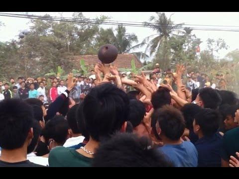 Lễ hội đả cầu cướp phết Bàn Giản, Lập Thạch, Vĩnh Phúc, mồng 7 tết Giáp Ngọ