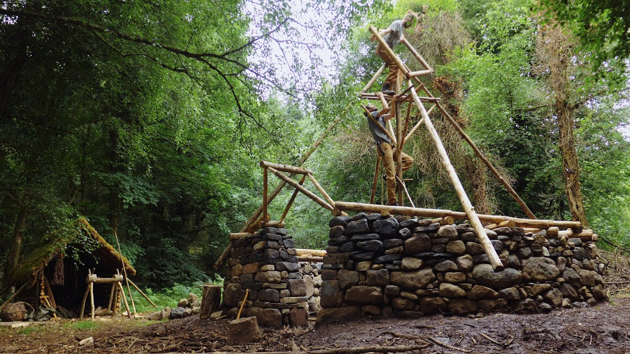 Iron Age Bushcraft Build - Roof Building in Soaking Rain: DODGY STUFF! (Ep.8)
