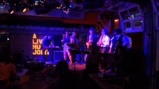 "Reverend Smackmaster and the Congregation of Funk cover ""Tell Me Something Good"" (Chaka Khan)"