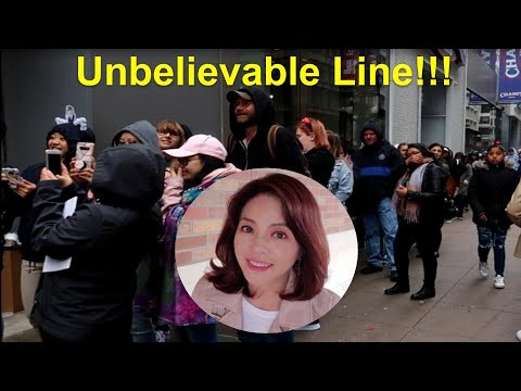 [ENG] Unbelievable Line in front of BTS pop-up store!!/끝없는 행렬~ 끝은 어디일까요??