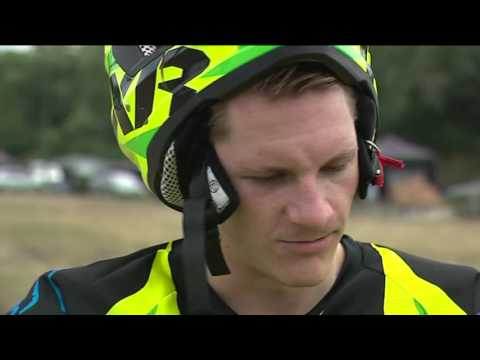 Sommertraining mal anders- Eisbär Laurin Braun beim Motocross