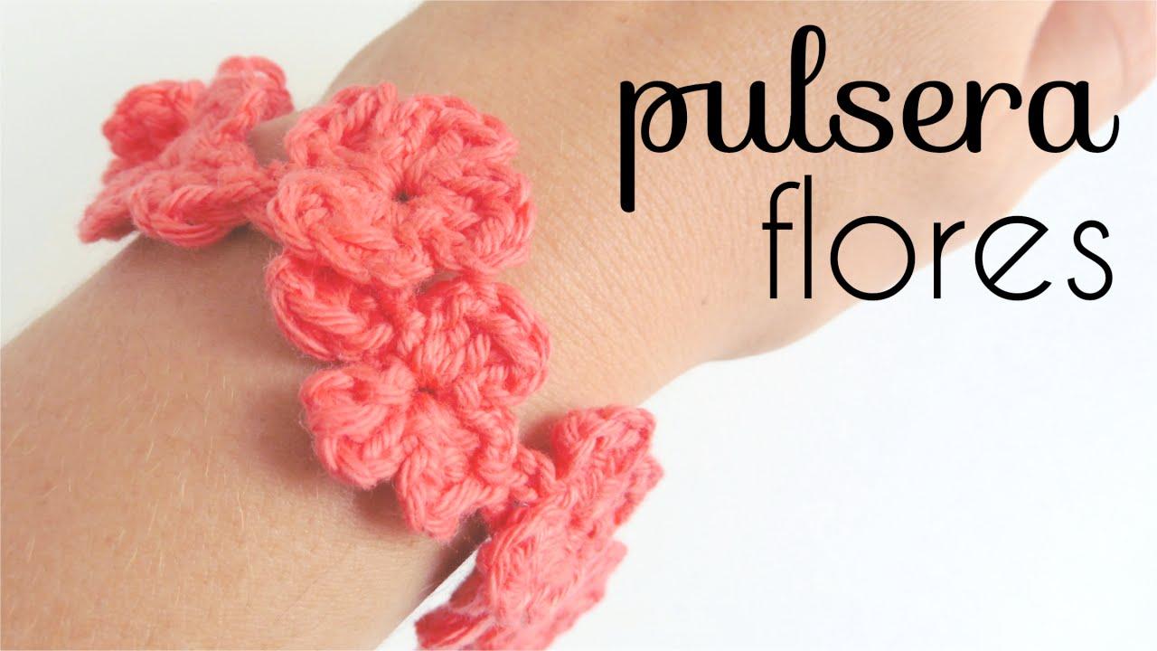 a5b3bcf0182d Pulsera de Flores a Crochet   How to crochet a flowers bracelet