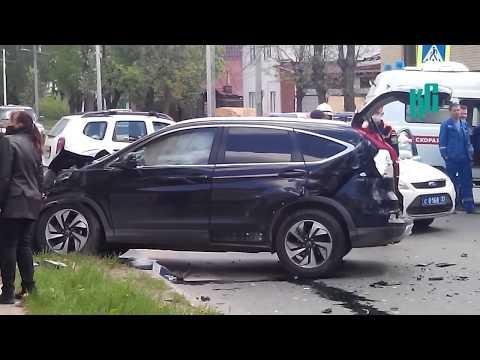 Авария на перекрестке улиц Дегтярёва и Фёдорова в Коврове