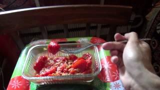 Обед с Толяном 7 сентября 2013 - курица и помидоры!(На видео о еде и напитках меня вдохновил Американец DSP (ниже ссылки на его каналы и плейлисты с его видео)...., 2013-09-07T15:27:00.000Z)
