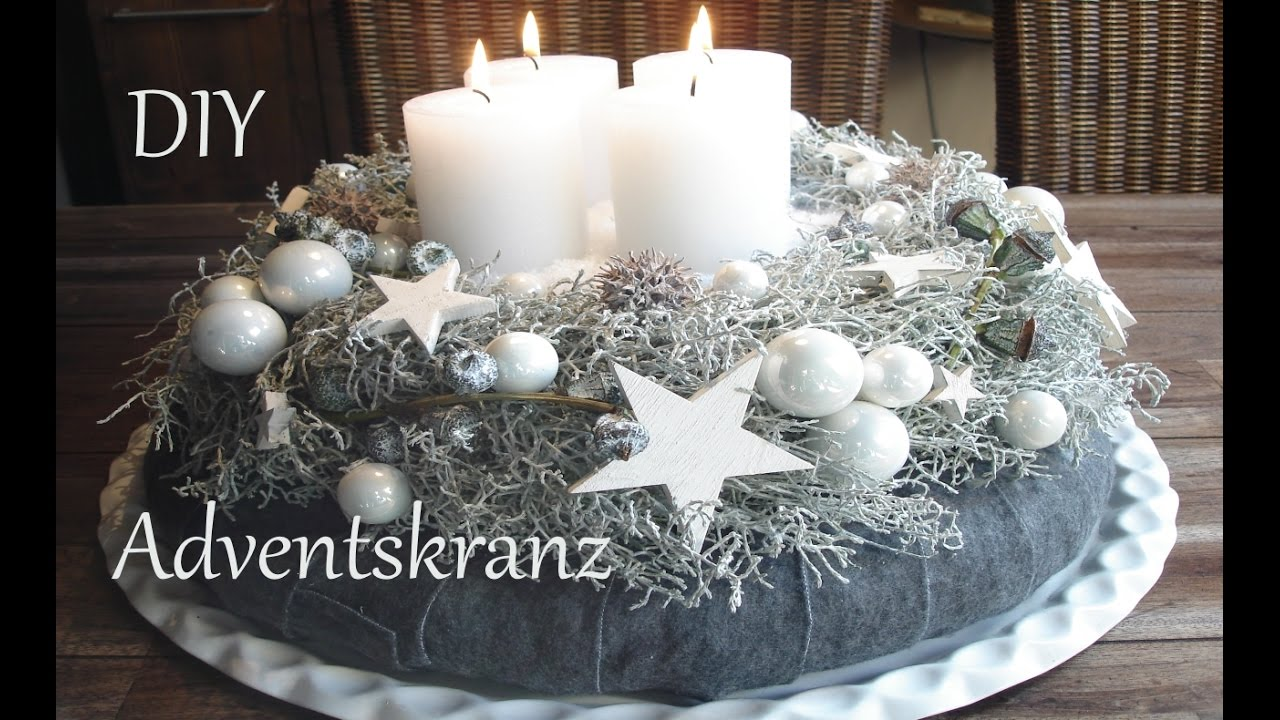 diy adventskranz in wei just deko youtube. Black Bedroom Furniture Sets. Home Design Ideas