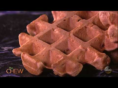 Easy Apple Cinnamon Waffles