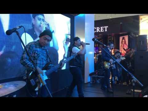 Musikimia - Dan Bernyanyilah Live Ciputra World Sby 20 Mei 2017
