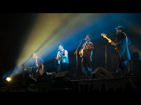 Mumford and Sons Shows That Even Brain Surgery Can't Keep Them Down! | POPSUGAR News