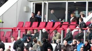PSV - Feyenoord 3-2 Feyenoorders bekogeld