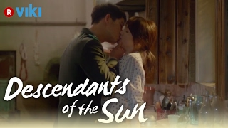 Gambar cover Descendants of the Sun - EP5 | Song Joong Ki & Song Hye Kyo Wine Kiss [Eng Sub]