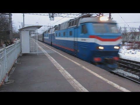 Станция Саблино: ЭТ2М-056, Сапсан, ЧС7-019 с поездом №133 Санкт-Петербург – Казань, ВЛ10У-577