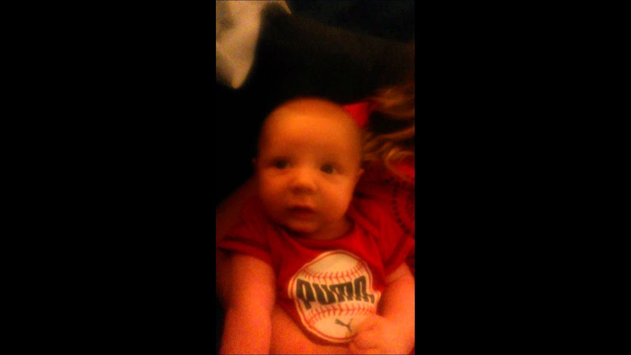 Nicki Minaj makes baby cry - YouTube